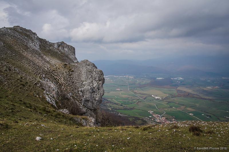 Valles de Ergoiena y la Sakana desde las crestas de Ollide