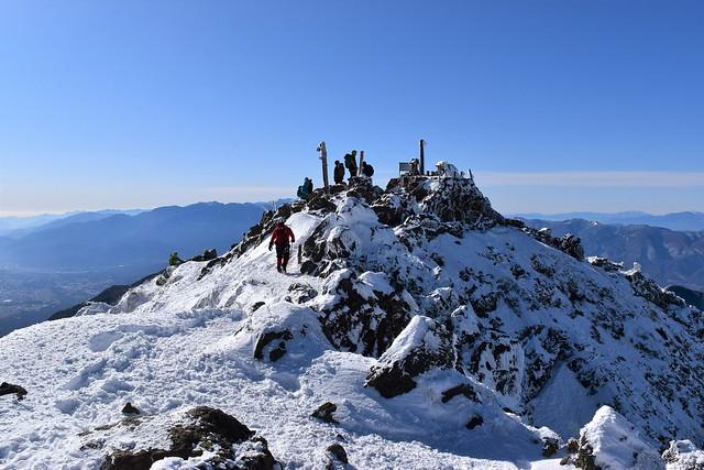 冬の赤岳山頂