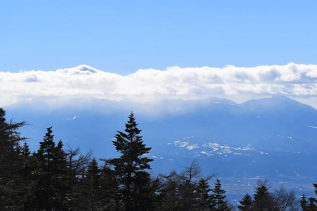 八ヶ岳に降る雪