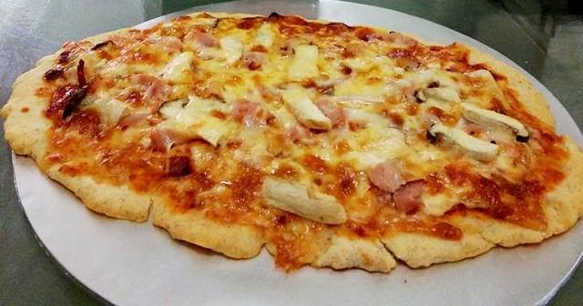 YESYOUCAN gluten-free pizza