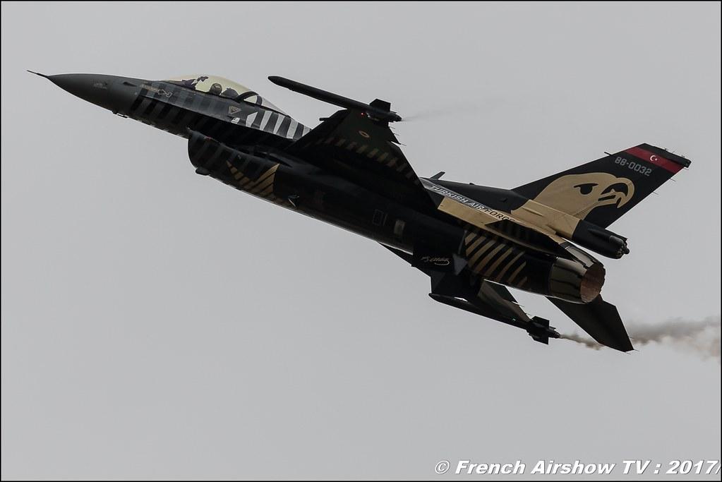 Turkish F-16 SOLO TÜRK - display , Lockheed Martin F-16 Solo Türk Turkish Air Force - SOLOTURK Gosterisi , Royal International Air Tattoo 2017 , Air Tattoo – RIAT 2017 , Fairford , UK Airshow Review 2017 , Meeting Aerien 2017