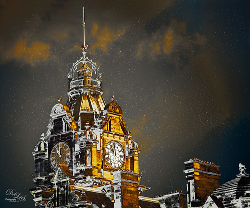 Image of Balmoral Hotel Clock Tower in Edinburgh, Scotland