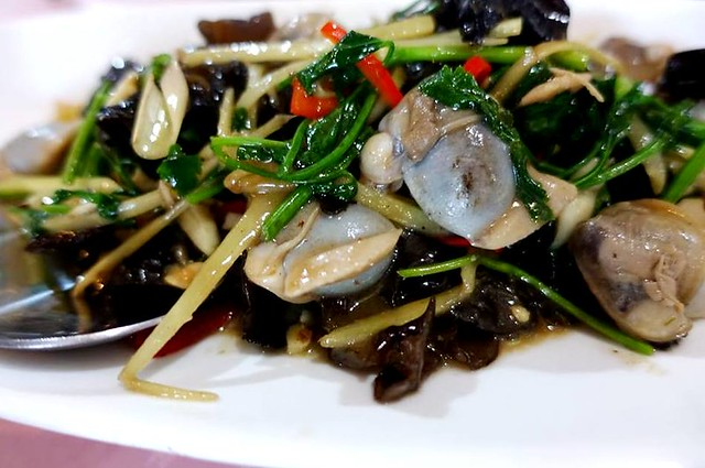 Flavours Thai Kitchen stir-fried lokan