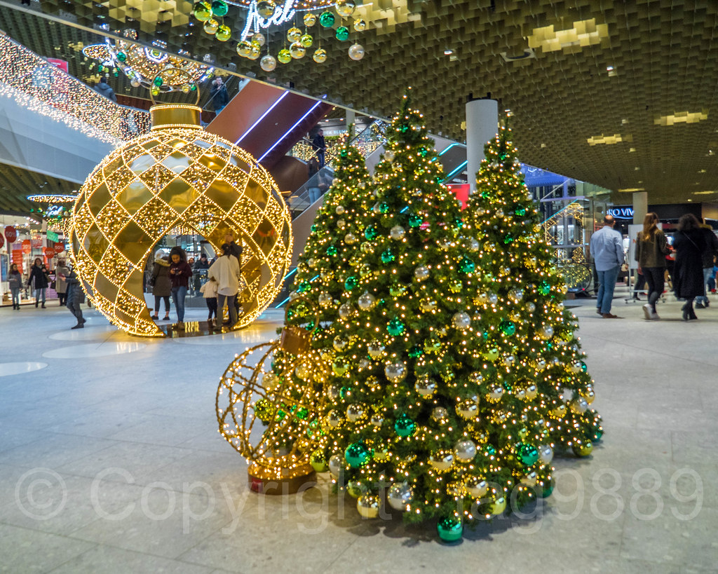 switzerland large snow globe and christmas trees the mall of switzerland ebikon lu switzerland - Large Christmas Snow Globes