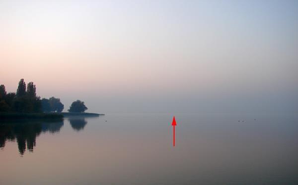 VCSE - A nyíl a szonda helyzetét mutatja a Balatonban: oda esett az eszközünk.. (A csapattagok felvételei)