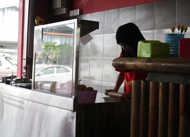 Penyet Delta roti canai stall