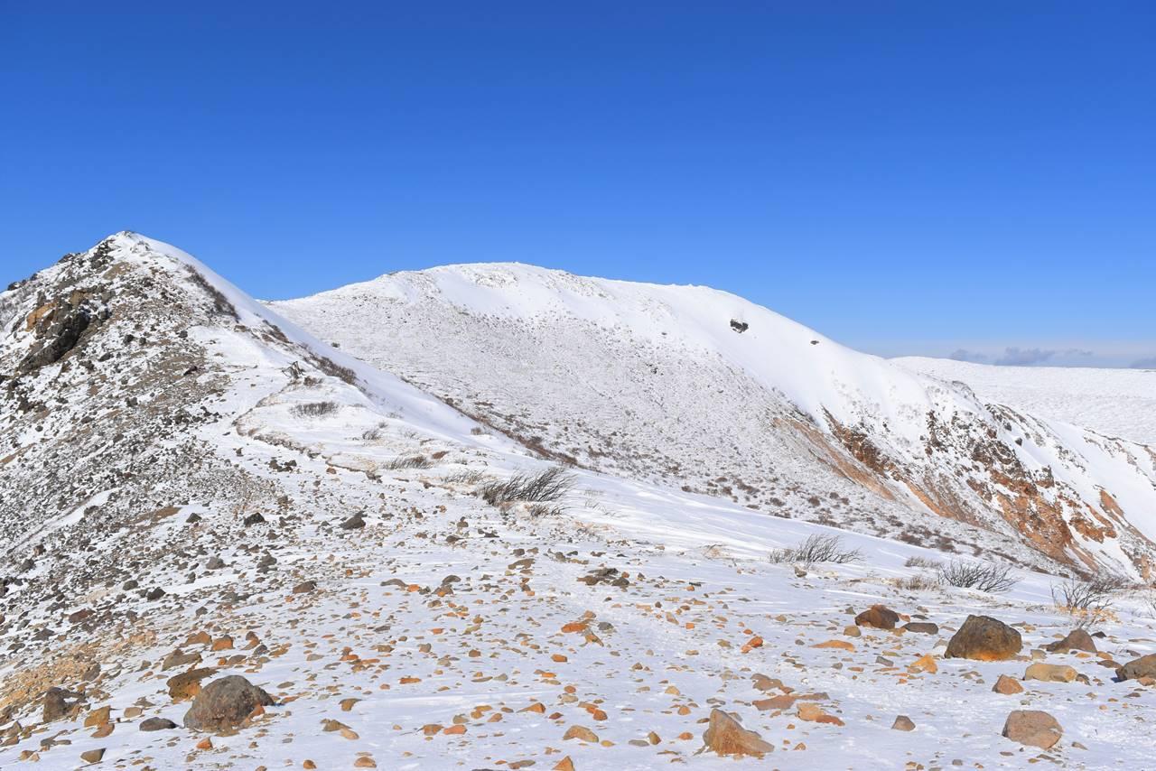 冬の那須岳登山 朝日岳~三本槍岳の稜線