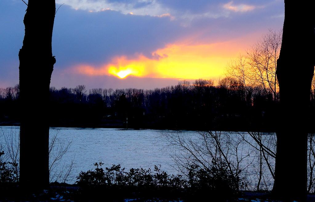 26 февраля 2018, Рейн у парка Бенрат (Дюссельдорф).
