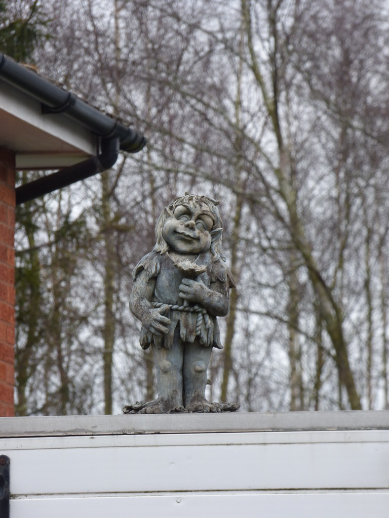 Kenilworth Road, Balsall Common - stone gnomes above a garage | by ell brown