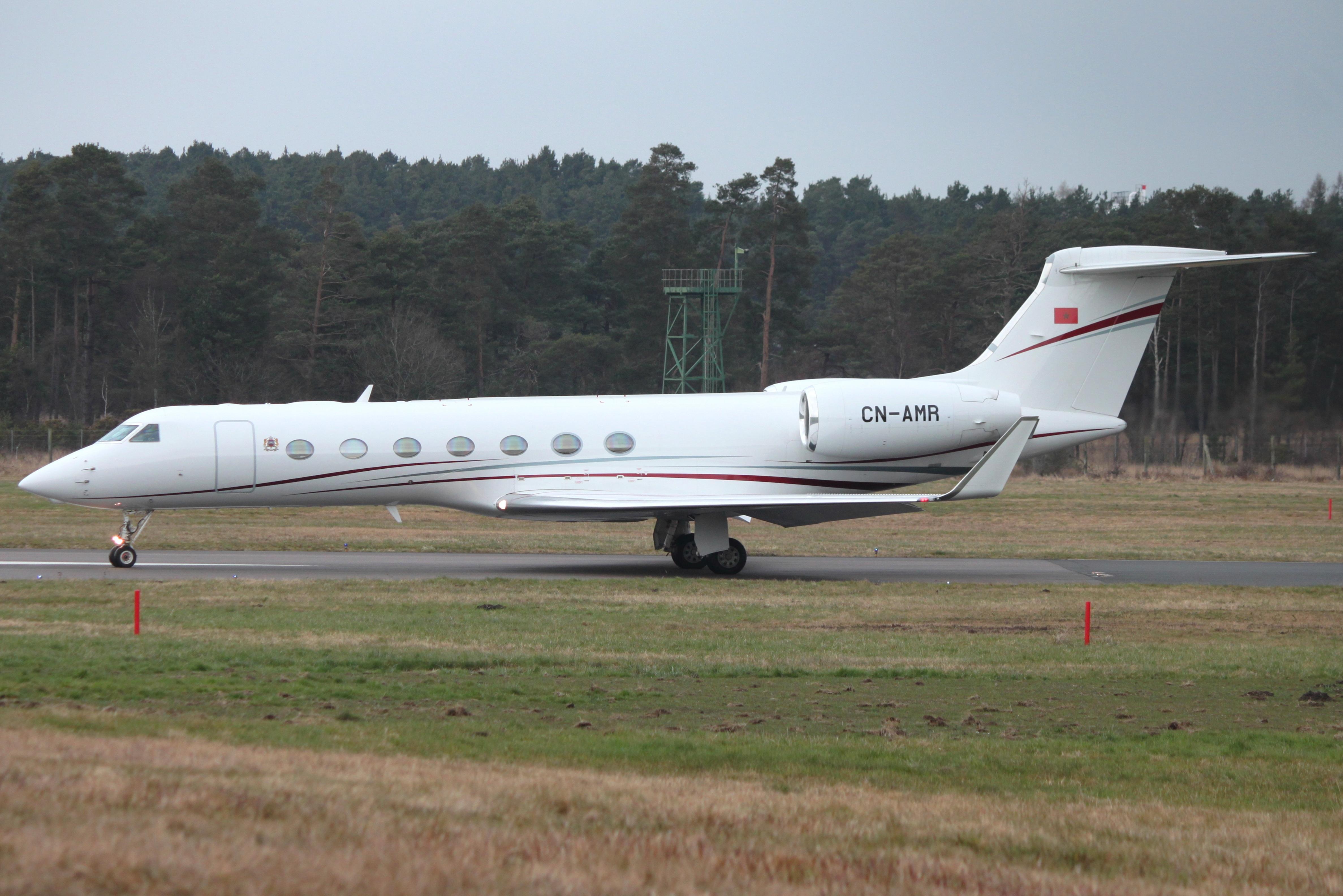 FRA: Avions VIP, Liaison & ECM - Page 19 40597343122_568bbcbdaa_o