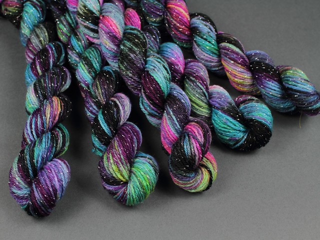 Glitter Sock Mini Skeins merino blend 20g – 'Shinjuku'