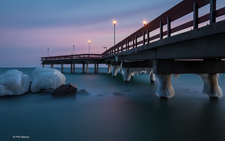 {3 min Long exposure] Center Island beach pier in winter - Toronto | by Phil Marion