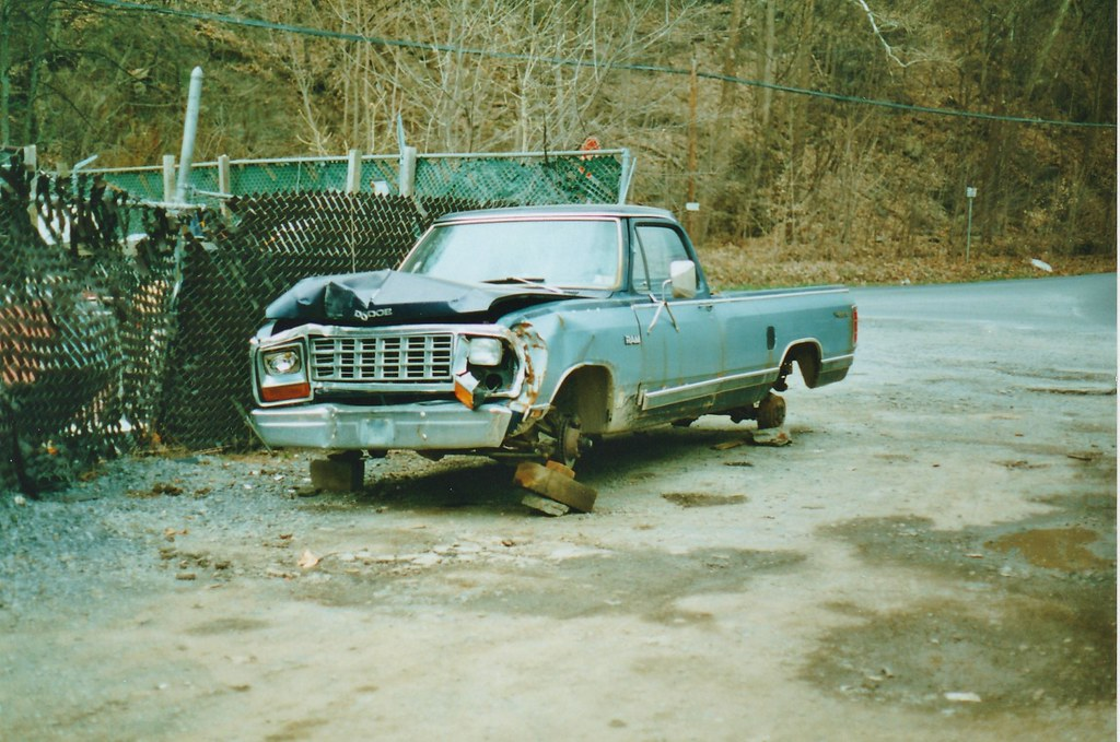 BOBBY\'Gs JUNK 1981 DODGE RAM IN APRIL 1996 | My friend Bobby… | Flickr
