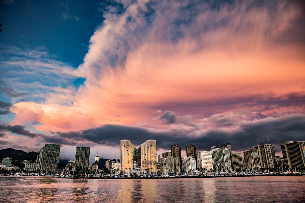 Picture Of Hawaii >> Mammatus Clouds Over The Honolulu Hawaii Skyline | After a ...