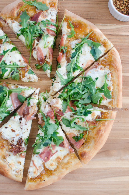 Fig, Burrata, and Prosciutto Pizza
