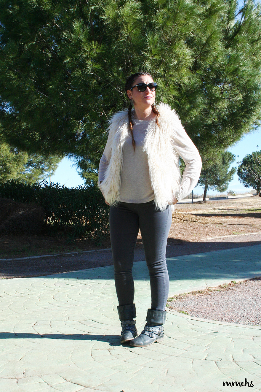 look motero con chaleco de pelo Zara Kids