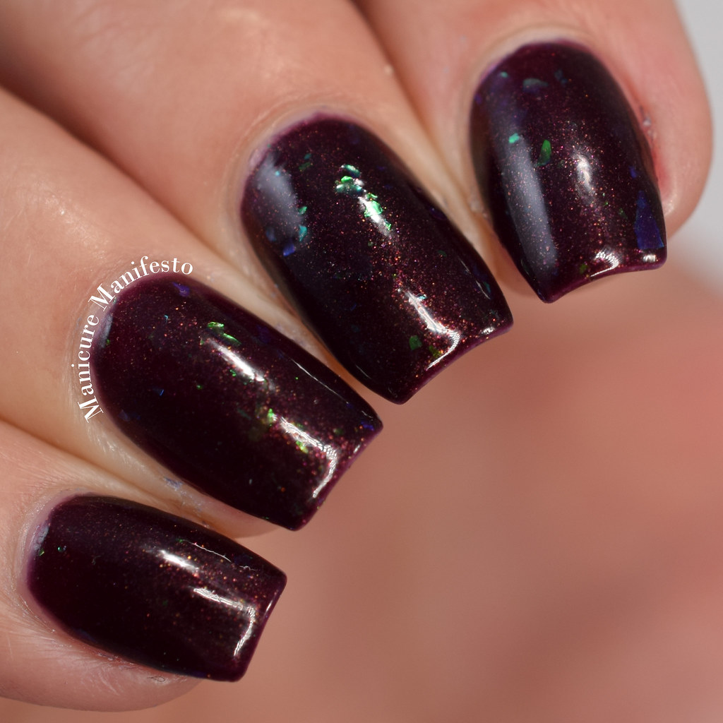 Girly Bits Dark Reflection review