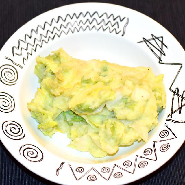 """Ärpel un Schlatt"" - ""Eifeler Hungslattse"" - Kartoffelpüree, Kartoffelbrei, Stampfkartoffeln mit Salat ... Foto: Brigitte Stolle"
