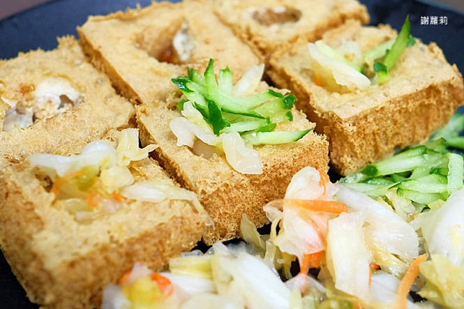39225115245 e0a4eda283 b - 台中東區 | 濃鄉臭豆腐。台中火車站美食推薦 超好吃隱藏版臭豆腐,只有在地人才知道的低調銅版美食!