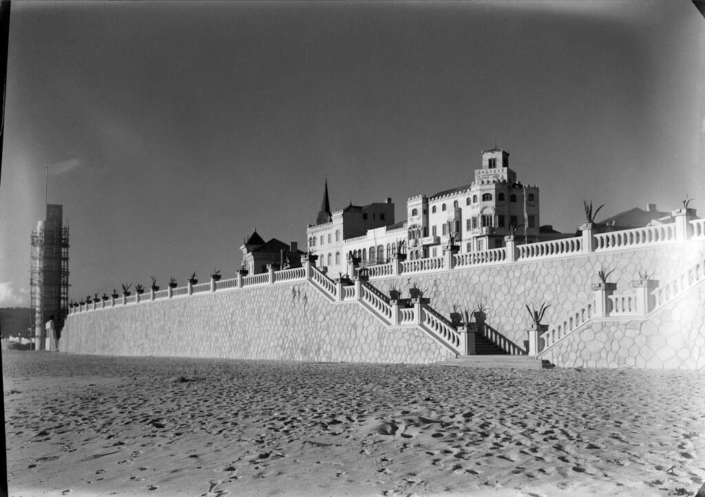 Figueira da Foz, Portugal (M. Novais, c. 1947)
