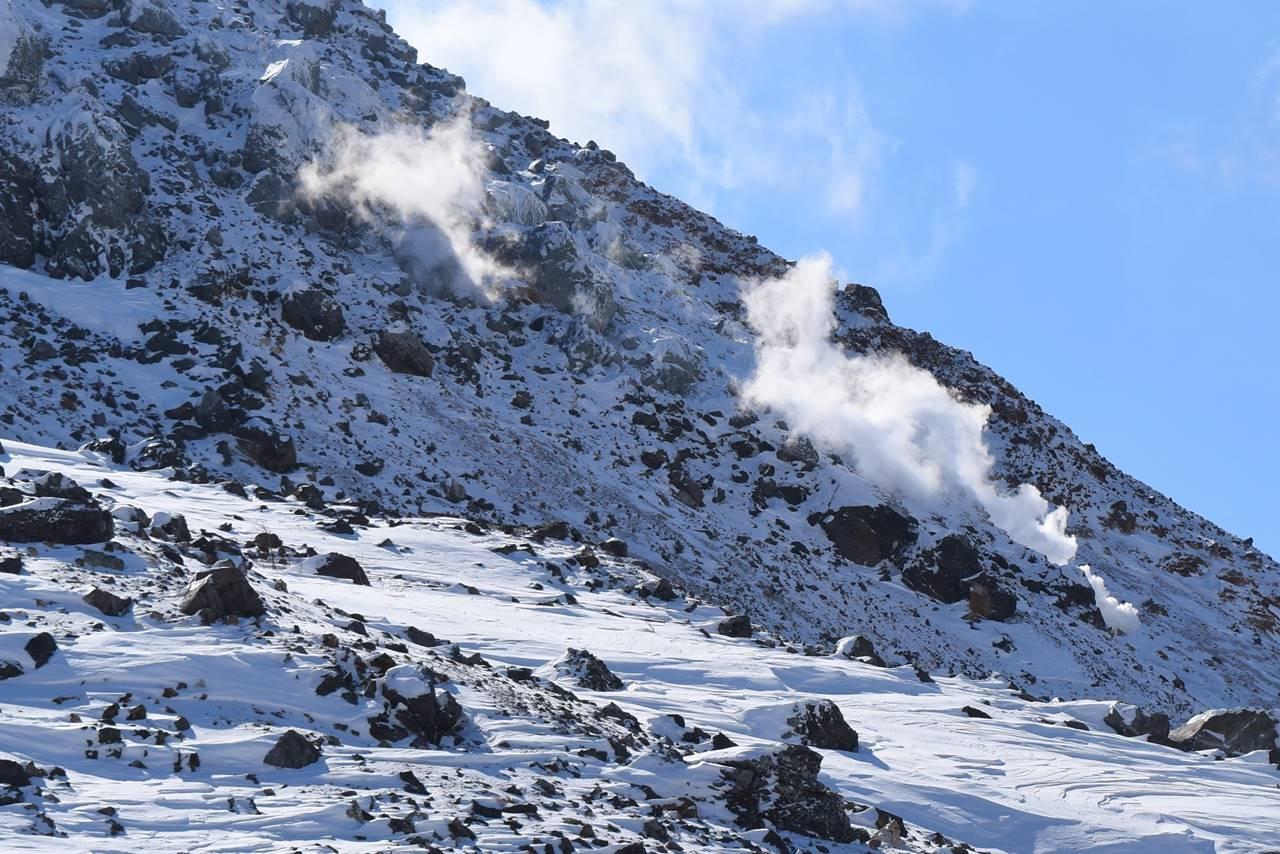 那須岳・茶臼岳の噴煙
