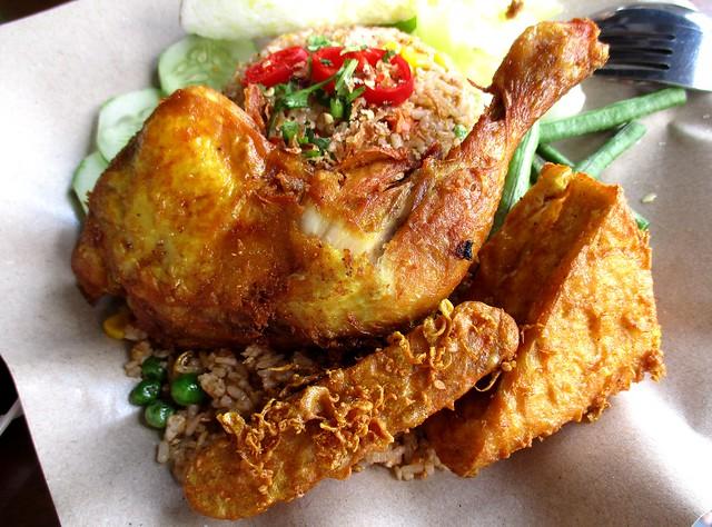 Warong Cafe nasi goreng ayam penyet 1