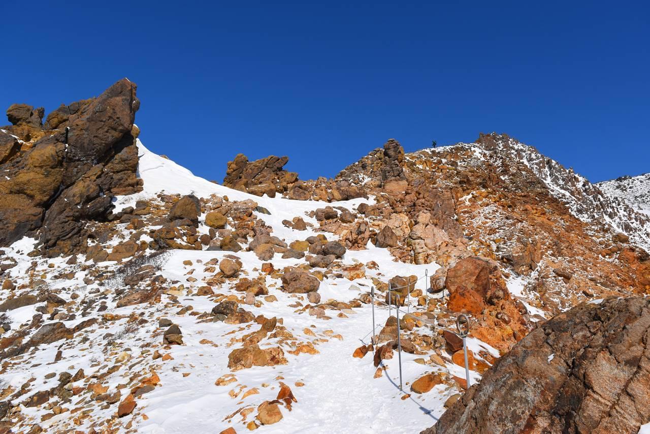 冬の那須岳・朝日岳登山道