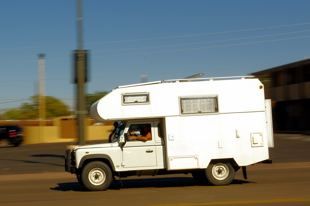 "Land Rover based caravan (RV), South Lake Powell Blvd., Page Arizona, October 10, 2010 (Pentax K-3 II from 36°54'58""N 111°27'25""W)"