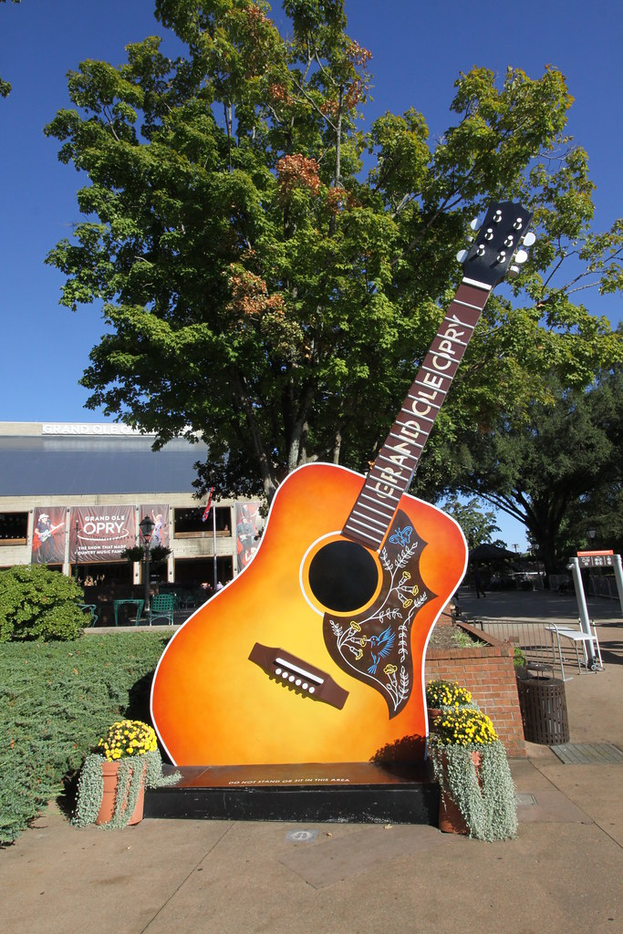 Grand Ole Opry guitar | Outside the gates of the Grand Ole ...