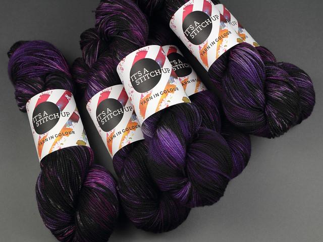Favourite Sock – hand-dyed superwash merino wool yarn 4 ply/fingering 100g – 'Nightshade'