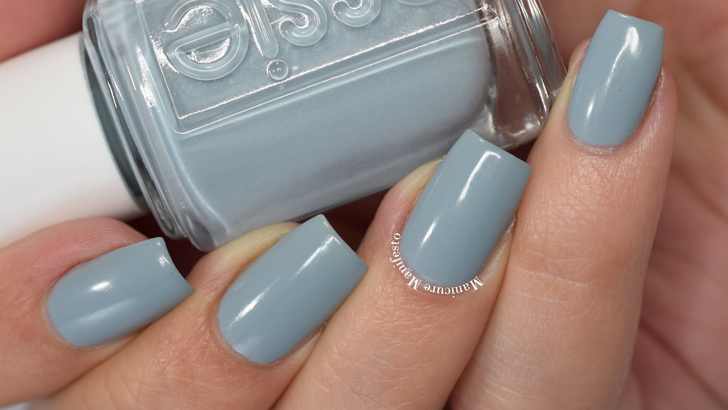 Essie Treat Love Color Review
