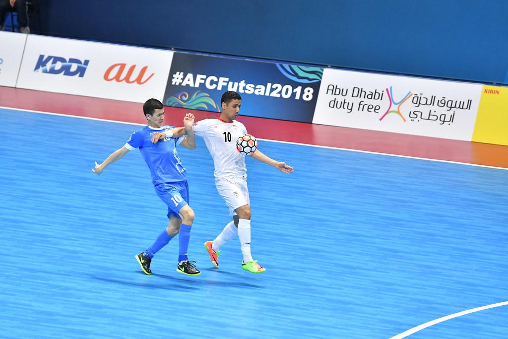 Hossein Tayebi(白衣)以13顆入求穩居進球王。(AFC提供)