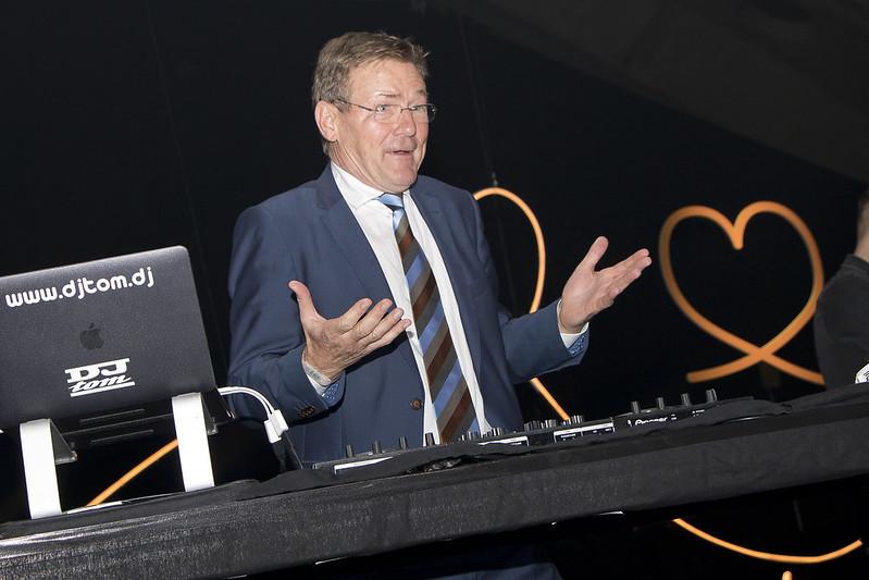 Minister Johan Van Overtveldt als gast dj te Mechelen