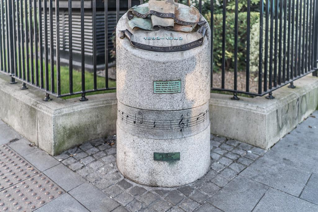MEMORIAL TO PEADAR KEARNEY [1883 - 1942] 003