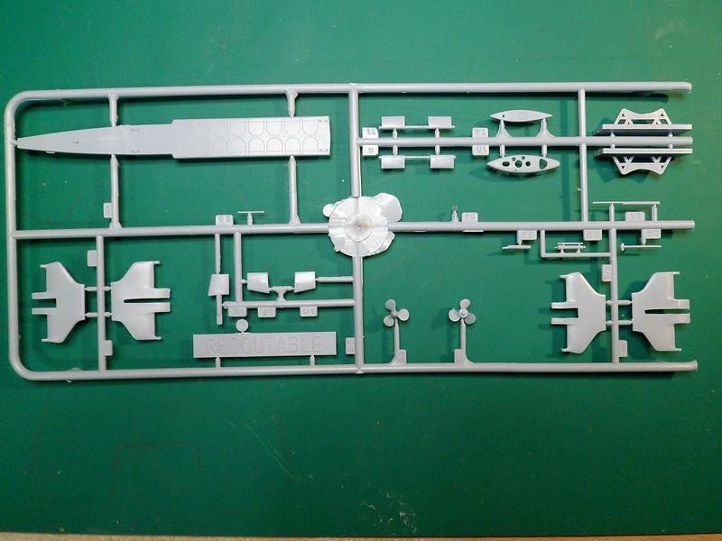 Ouvre-boîte sous-marin Le Redoutable [Heller 1/400] 39961086292_95d8874263_c