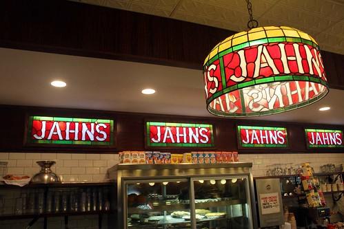 De för Jahn's karakteristiska inredningsdetaljerna.