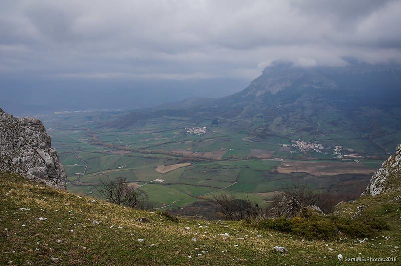 Valle de Ergoiena desde las crestas de Ollide