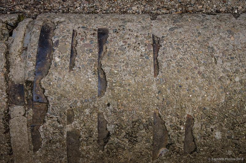 Detalle de la antigua conducción de agua de l'Estanyol