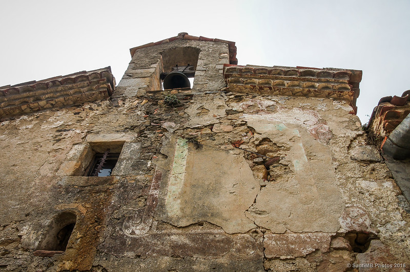 Reloj de sol de la ermita de Santa Fe de Montseny