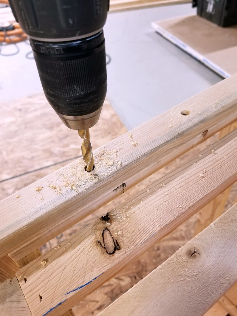 how to build a wooden crate - rope handles