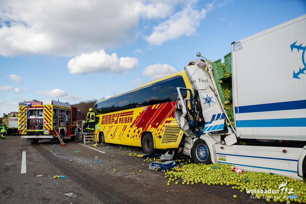Tödlicher Lkw Unfall A3 Limburg 130218 Wiesbaden112de Flickr