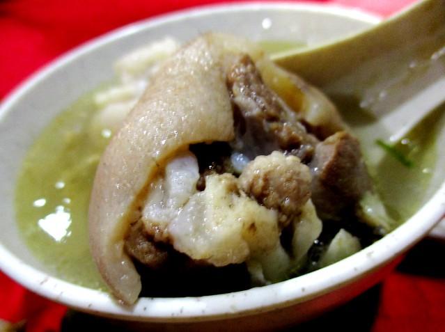 Sourish pork leg soup