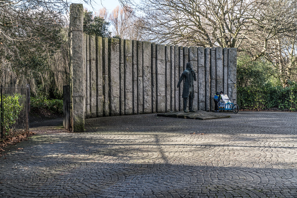 WOLFE TONE MONUMENT 002