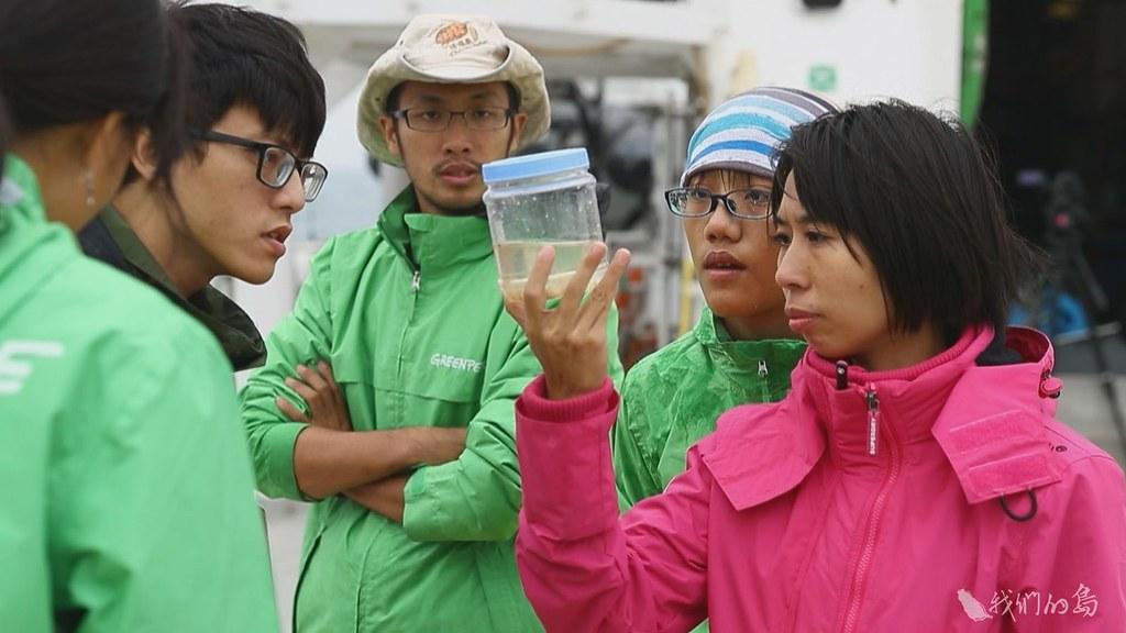 944-1-18基隆潮境海域,數量最高的採樣點,相當於一個國際標準游泳池中,有七十八萬八千顆微塑膠。