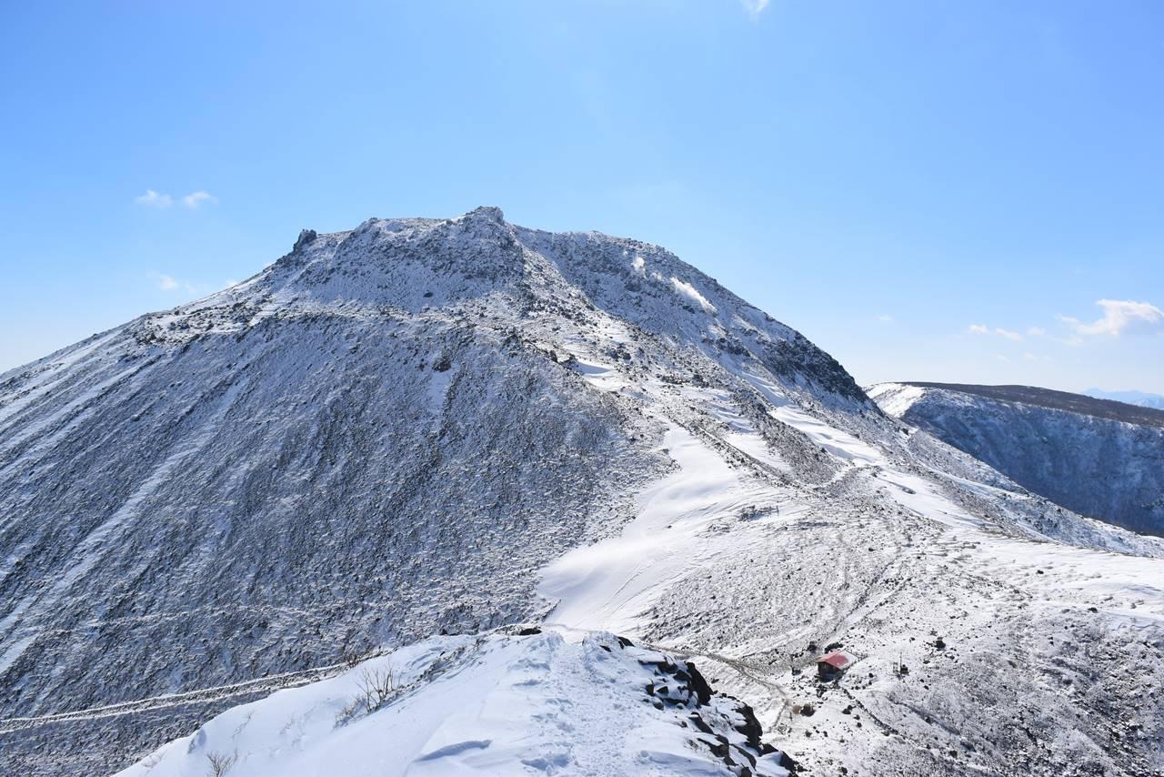 那須岳 剣ヶ峰からの茶臼岳
