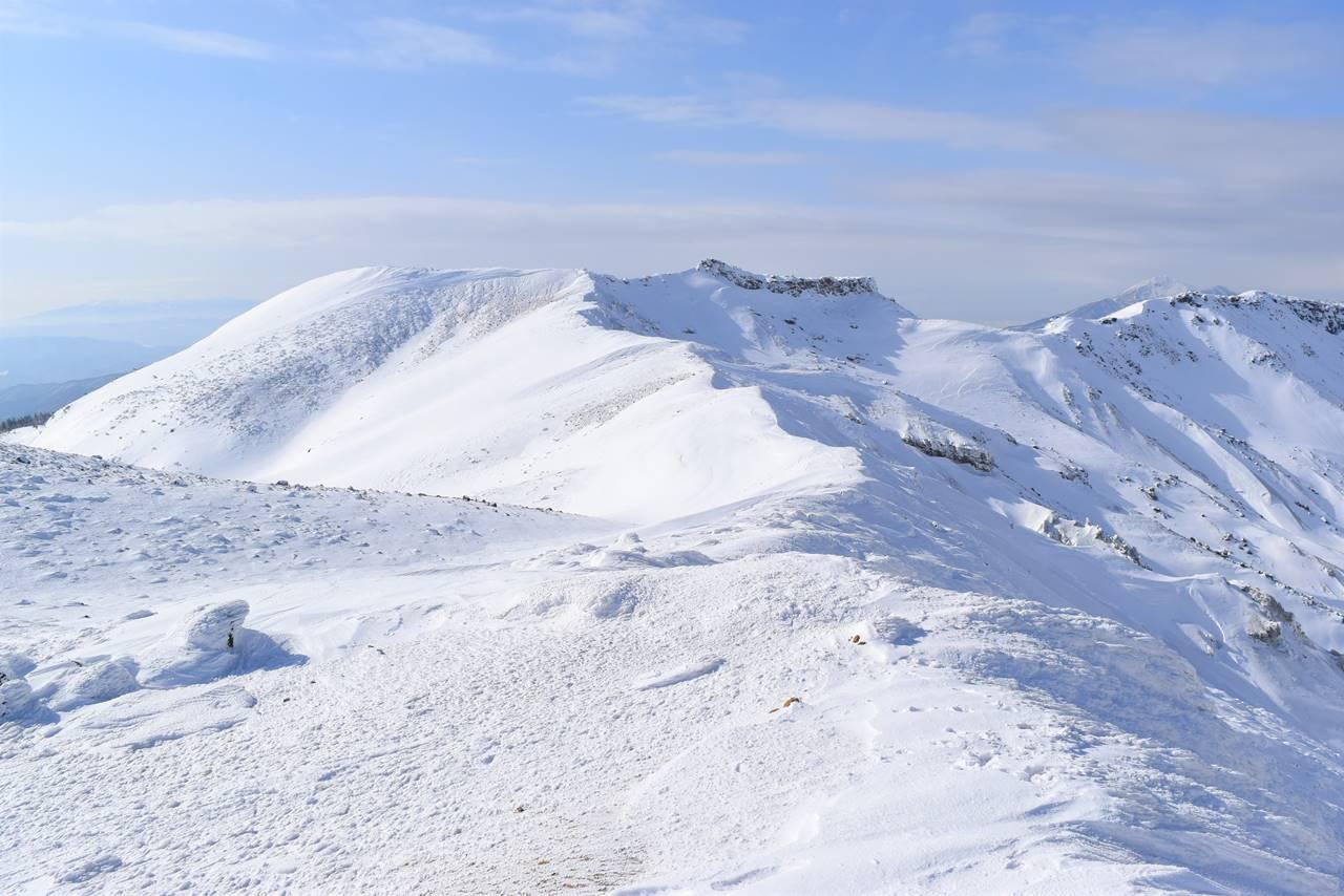 冬の安達太良山 船明神山方面の雪の稜線