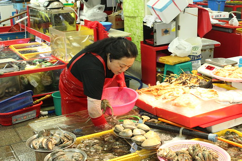 Jagalchi fish market, Busan | by Timon91