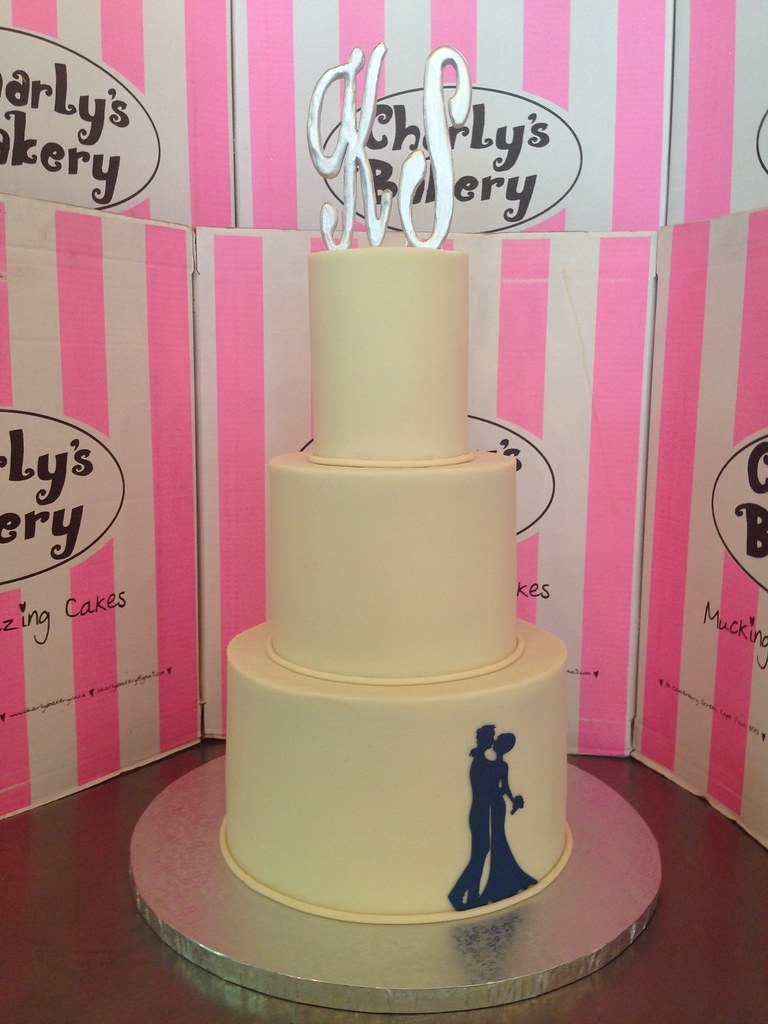 3-tier Wedding cake with tall tiers, covered in light beig… | Flickr