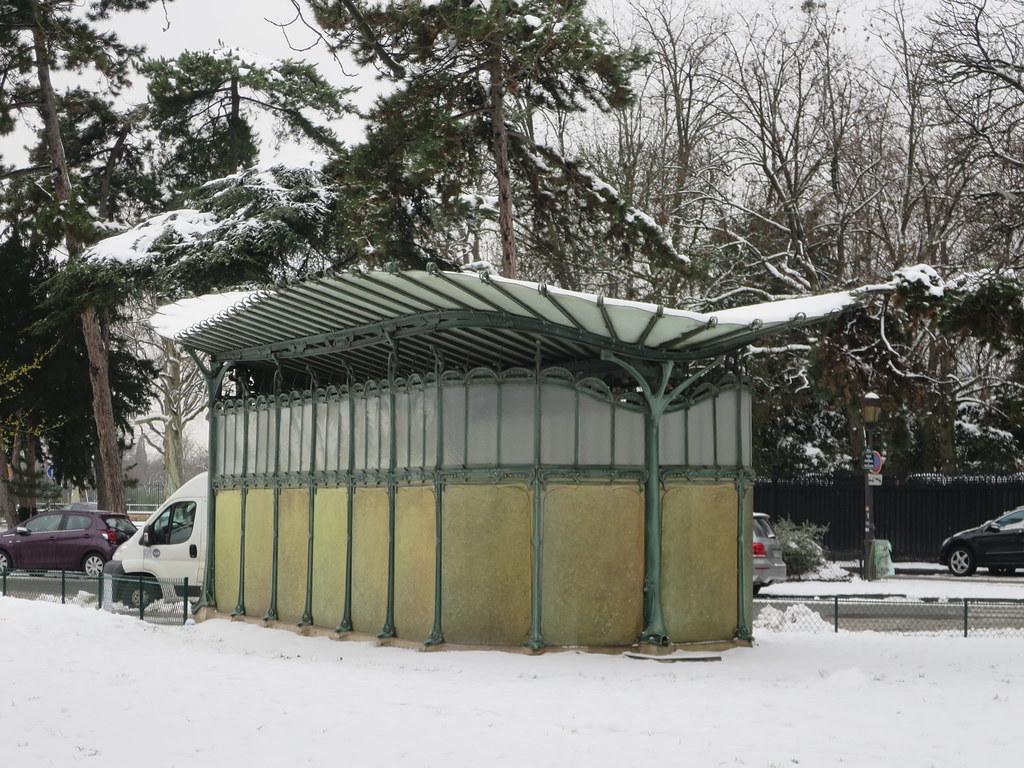 Toujours de la neige à Paris... Station de métro Porte Dau… | Flickr