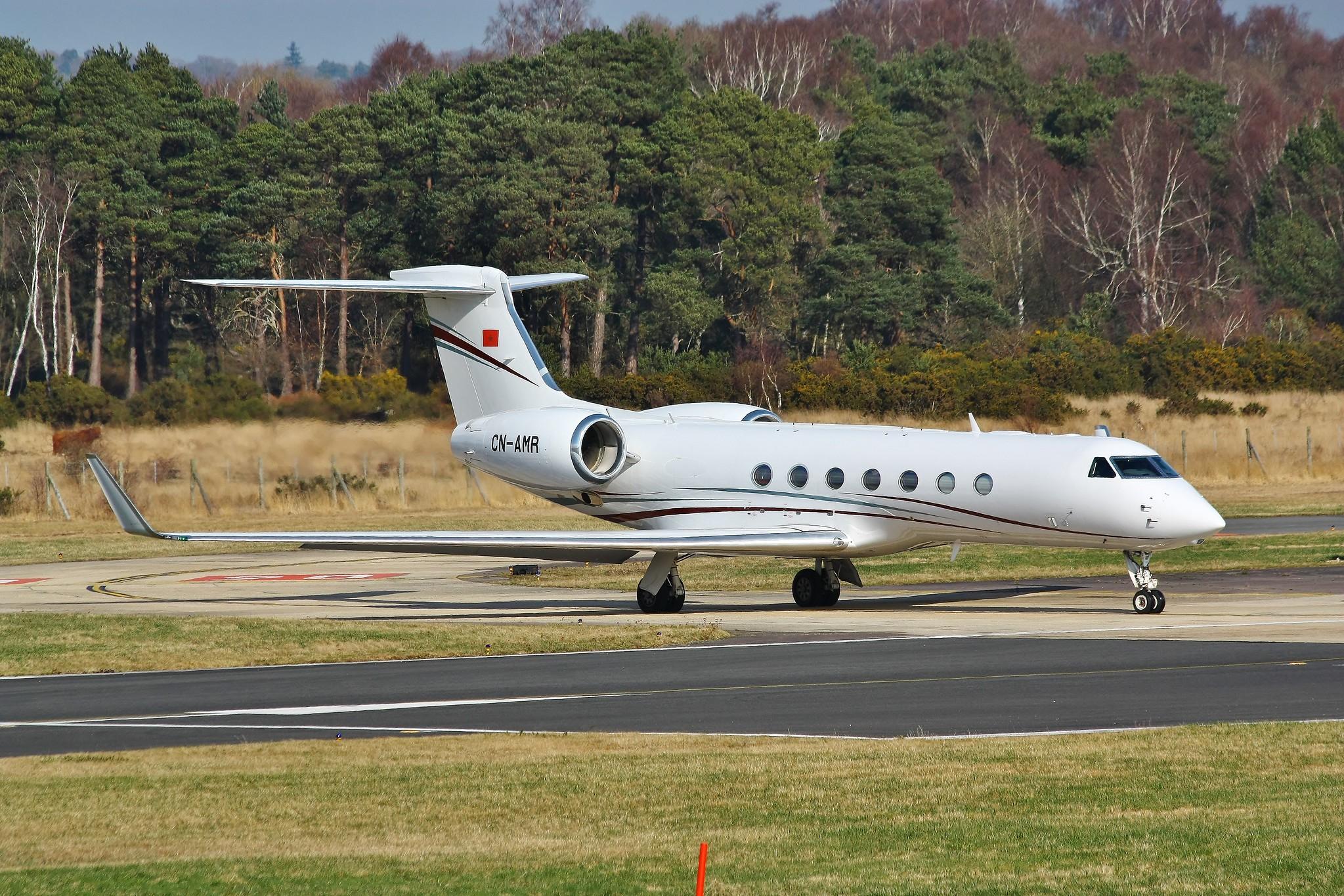 FRA: Avions VIP, Liaison & ECM - Page 19 39786859084_65dd29a46d_k